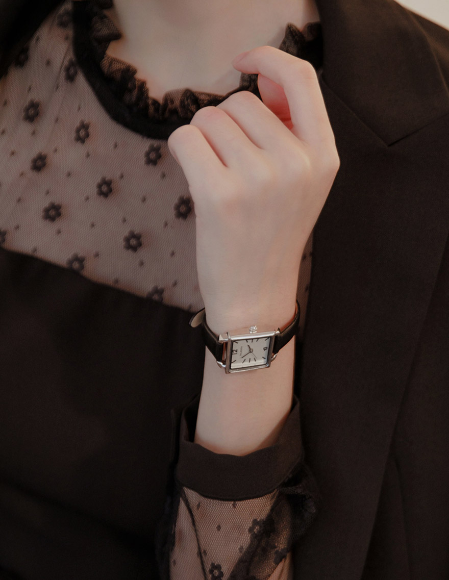 달리호텔 / Modern Square Watch
