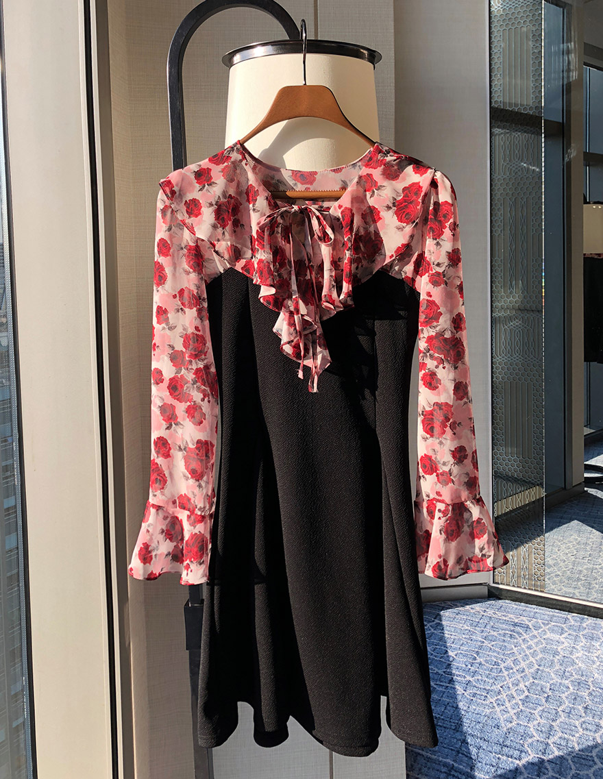 Floral Blouse Layered Dress, 달리호텔