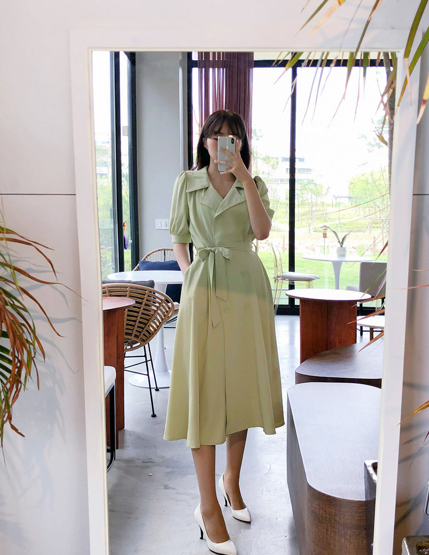 달리호텔 / Button Collar Flare Dress