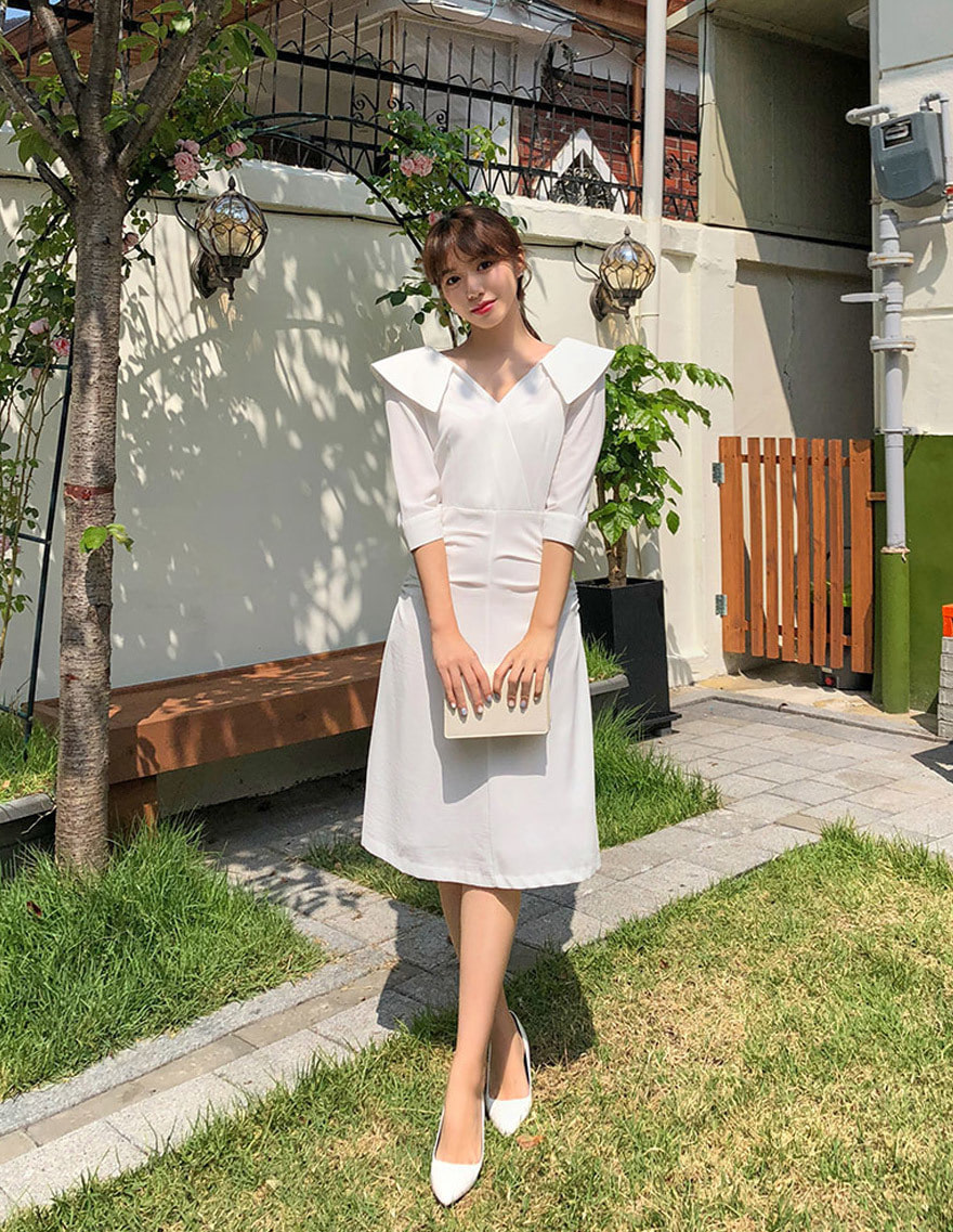 달리호텔 / Wide Collar Midi Dress