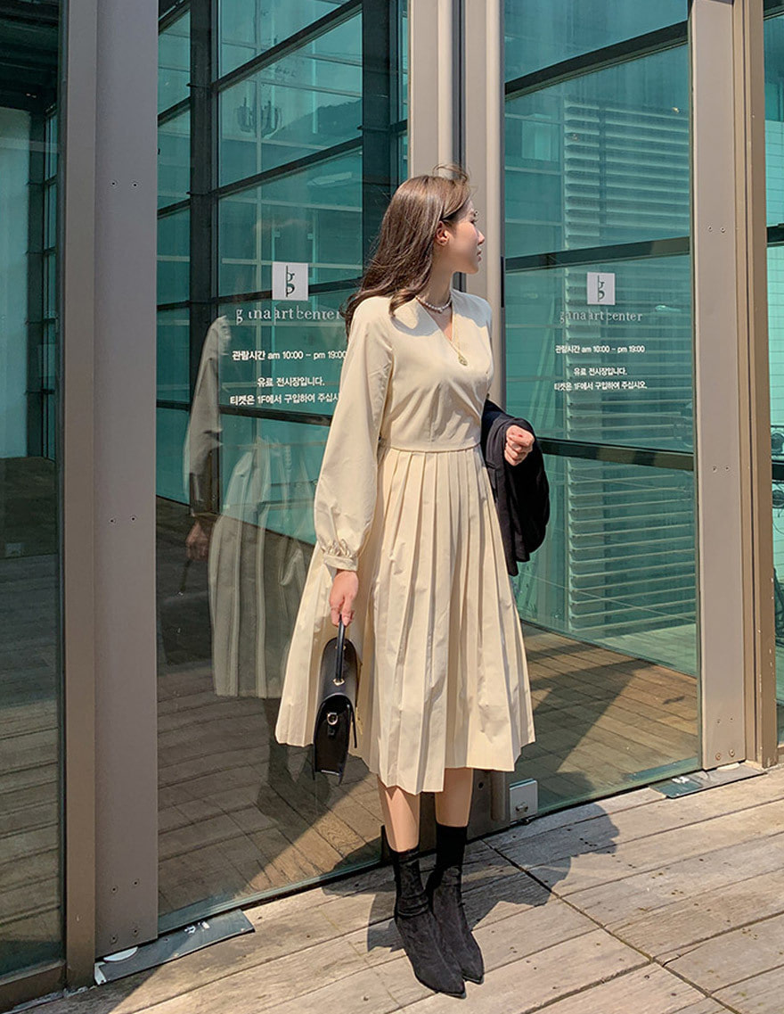 달리호텔 / Minimal Wrap Pleated Dress