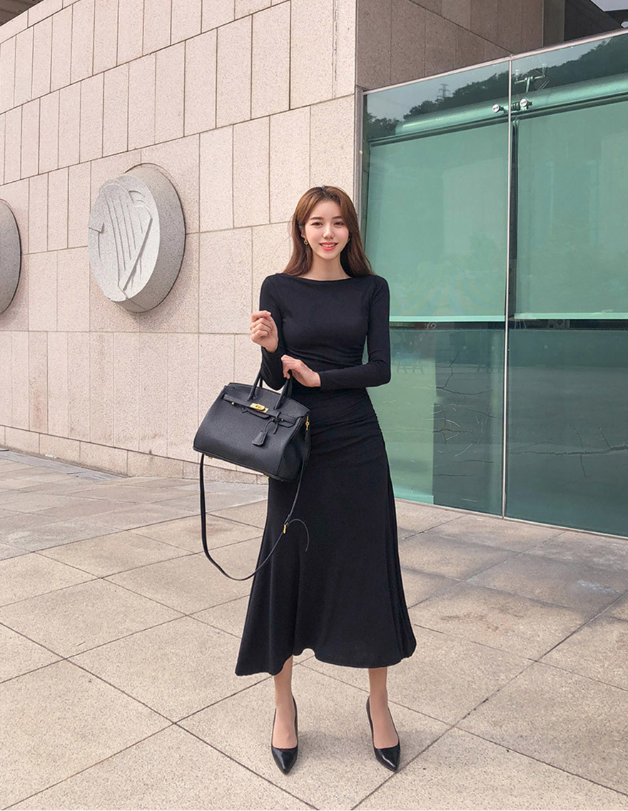 달리호텔 / Unbalanced Maxi Knit Dress