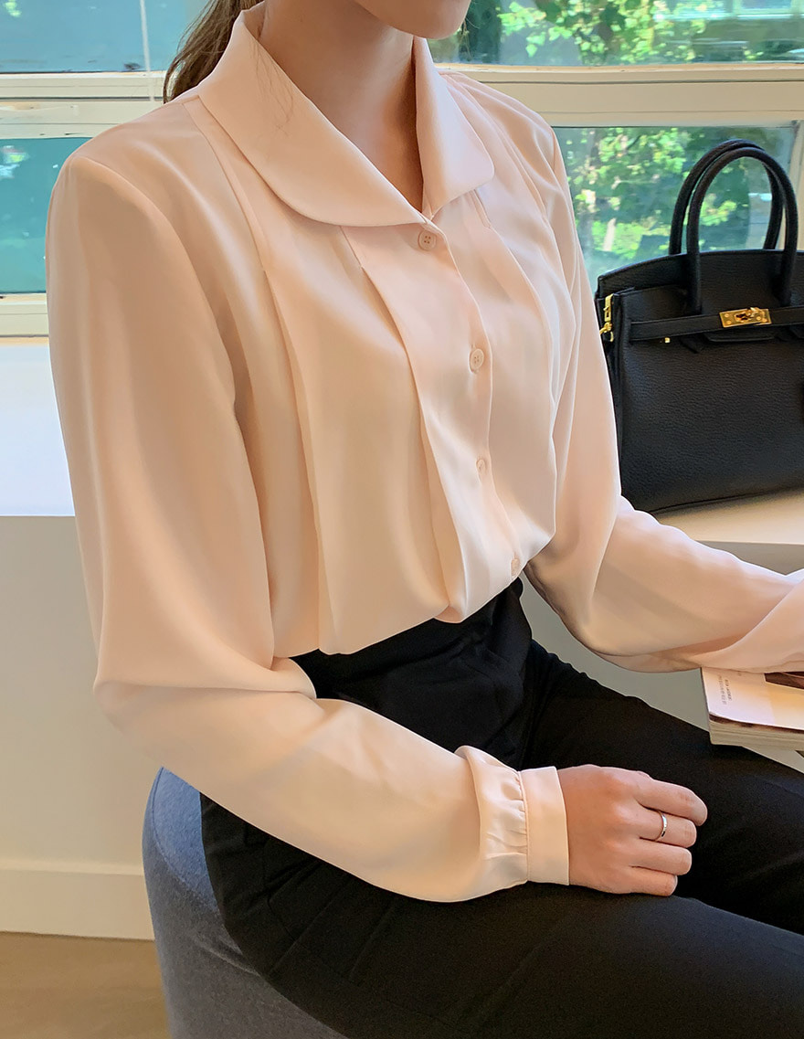 달리호텔 / Round Peterpan Collar Blouse
