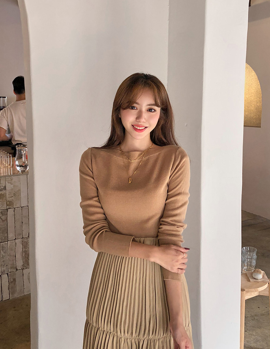 달리호텔 / Boatneck Long Sleeve Knit Top