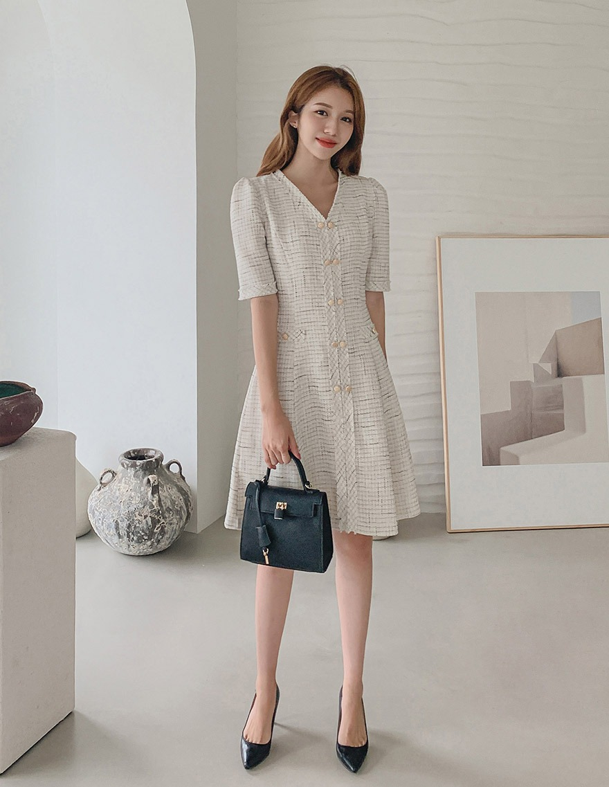 달리호텔 / Two Button Tweed Flare Dress_H65636