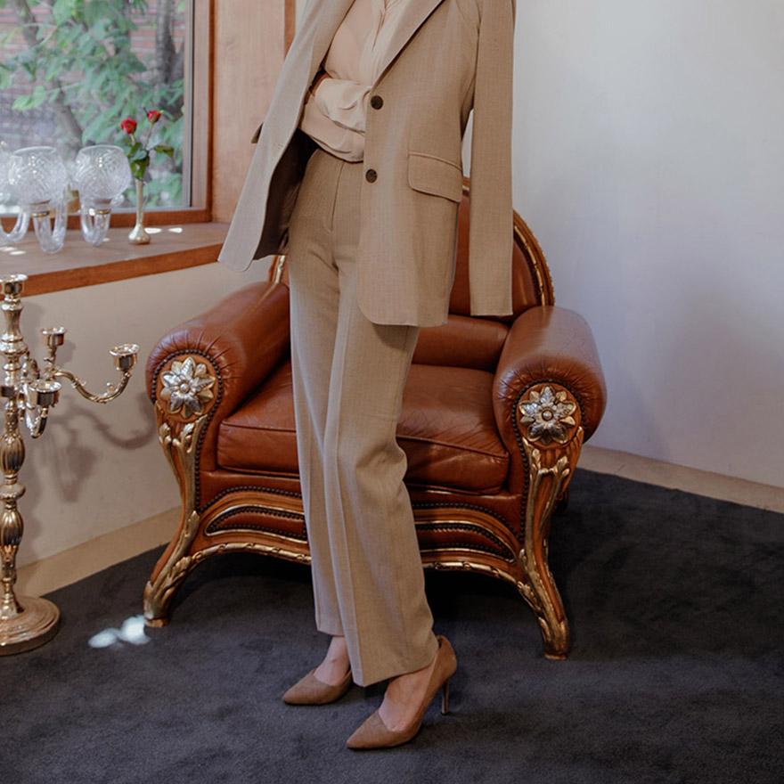 [CHUU]Gentle Pintuck Slim Pants