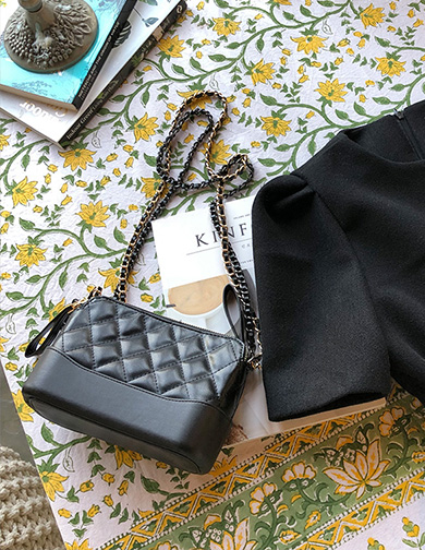 달리호텔 / Double Chain Quilted Flap Bag