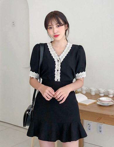 [CHUU] Lace Trim Blouse 패션쇼핑몰 츄(Chuu)