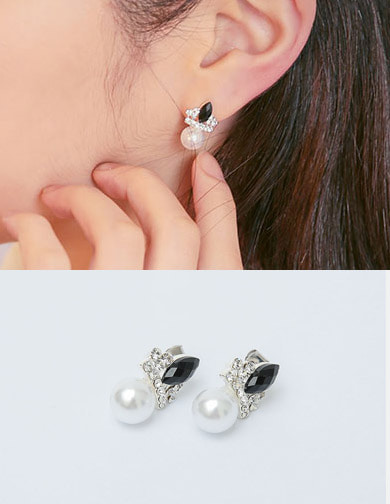 달리호텔 / Black Point Pearl Earring
