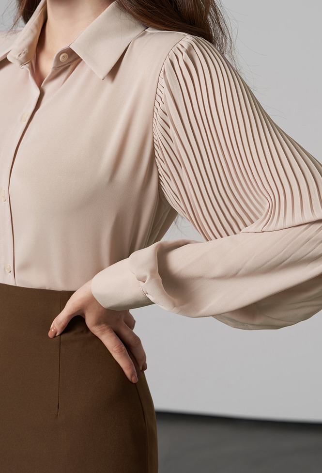 달리호텔 / Piano Pleated Sleeve Blouse_H65827