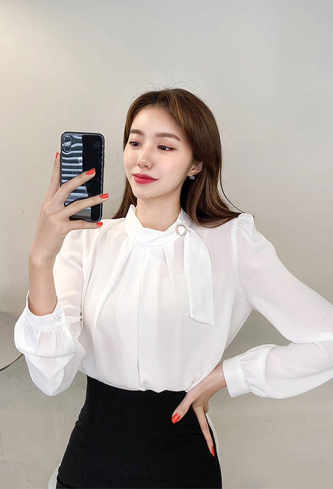 달리호텔 / Side Pearl Tie Point Blouse