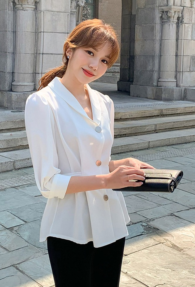달리호텔 / Three Button Collar Blouse_H63903